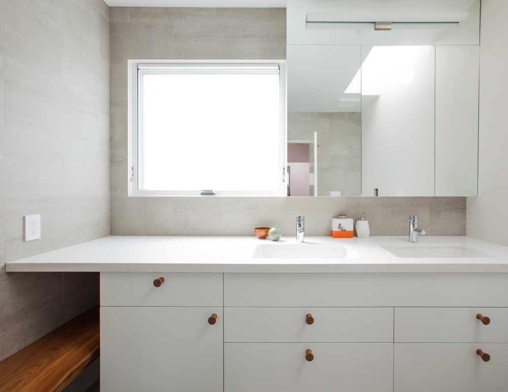 bathroom sink and counter space // Prospect House by Sky Lanigan for Medium Plenty